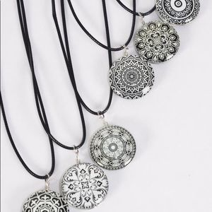 Jewelry - 6 Pack Wholesale Necklace Lot
